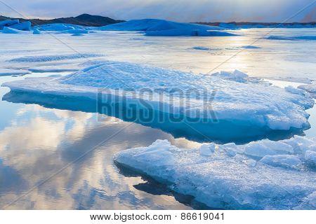 Blue icebergs floating in Jokulsarlon