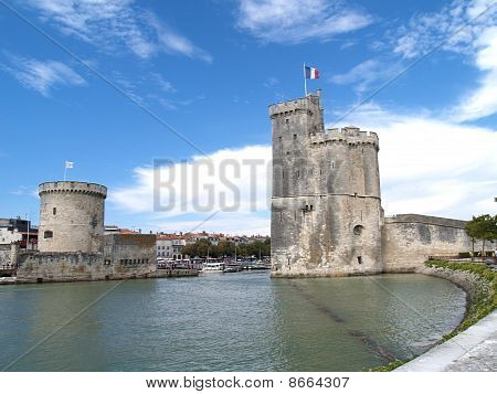 The two towers of La Rochelle harbour