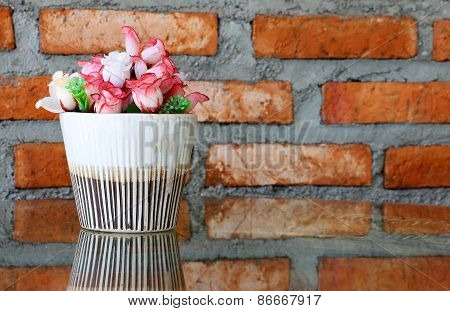 Corner Of Cozy Living Room Artificial Flowers For Decoration , Vintage Style