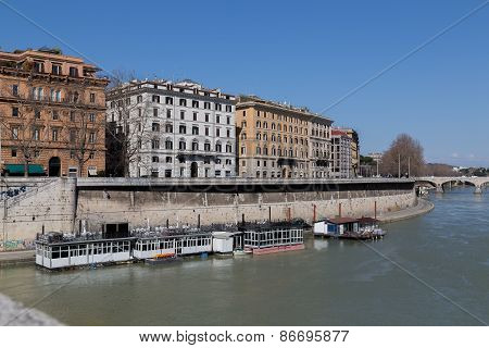 Buildings Along The River Tiber In Rome