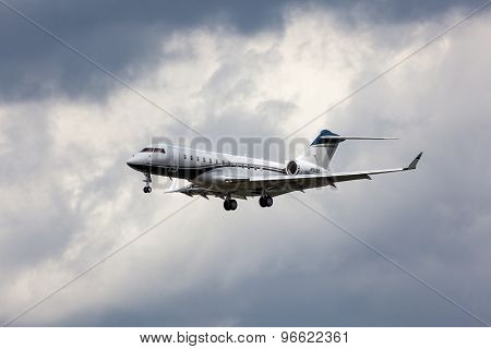 Private Bombardier Global Express