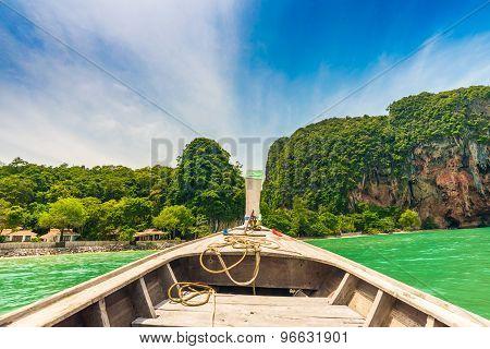 Boat Go To Railay Beach