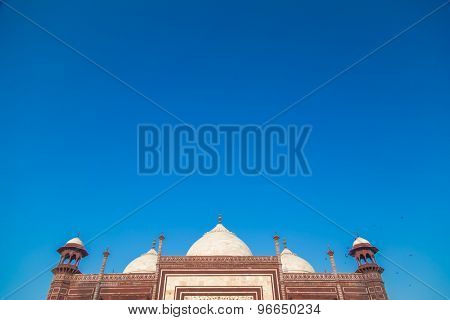 Mosque on the West side of Taj Mahal. Top view.