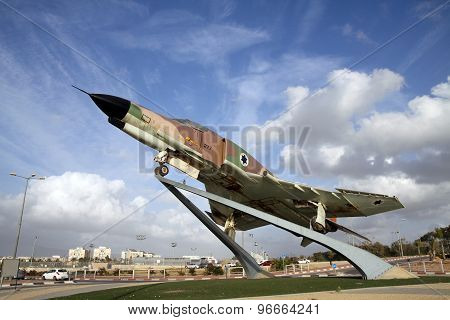 Fighter Air Force Israeli F-4 Phantom On A Pedestal In Be'er Sheva, Israel