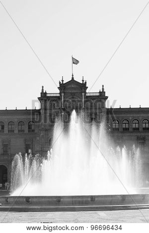 Spain Square Fountain In Black And White