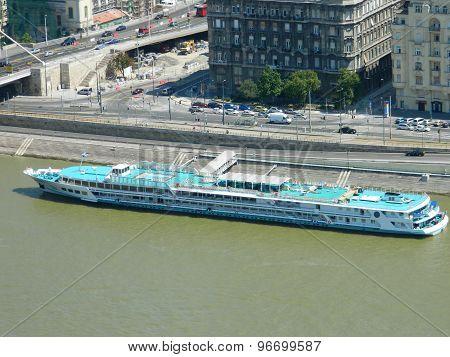 Budapest cruise ship
