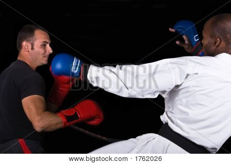 versus Karate kickboxen
