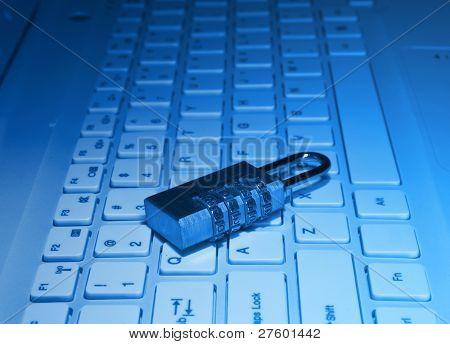 bloquear con contraseña en el teclado de la computadora