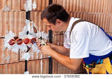 Trabajo de electricista
