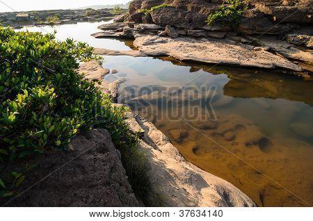 Pond In Sampanbok ,in Mekong River