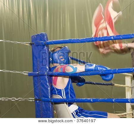 Boxing.      Break Between Rounds.