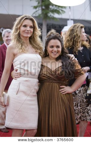 Michelle Pfeiffer And Nicki Blonsky