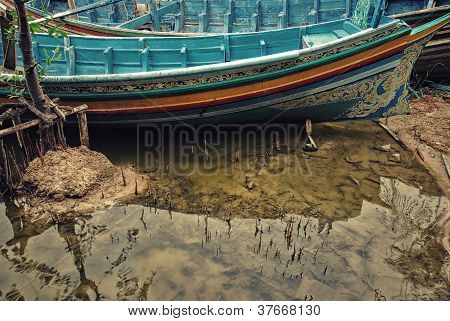 The Boat On Dry Water