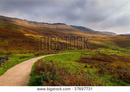 walk dove stone
