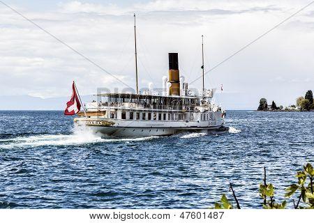 La Suisse Vessel Departs Montreux Marina