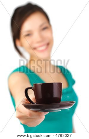 Camarera servir café