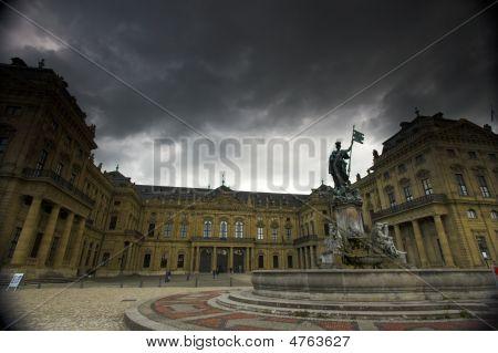 Palacio de Würzburg y nubes