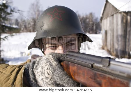 Soviet-finnish War 1939-1940: Red Army Soldier Aims From A Rifle