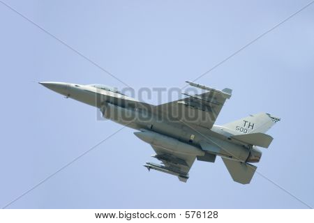 F16 In Flight