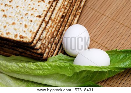 Matzot, Eggs And Lettuce