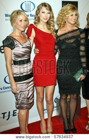 Christina Applegate, Taylor Swift, and Faith Hill  at the EIF's Women's Cancer Research Fund's