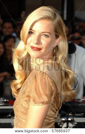 Sienna Miller  at the Special Screening of 'G.I. Joe Rise of Cobra'. Grauman's Chinese Theater, Hollywood, CA. 08-06-09