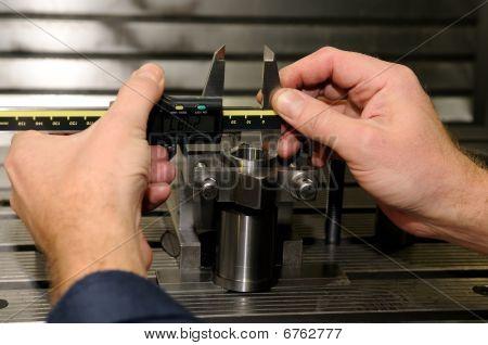 Measurment von Bremssattel überprüfen