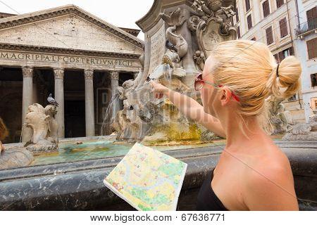Tourist on Rotonda square in Rome.