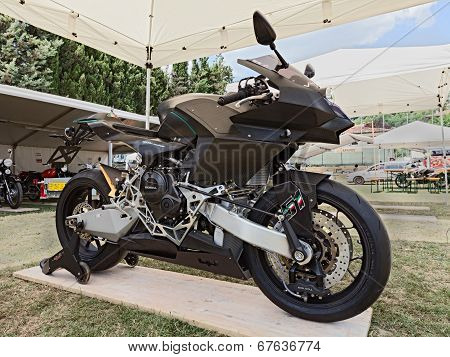 Super Technological Motorbike Vyrus