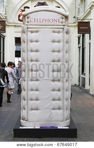 Padded Cell Phone Box