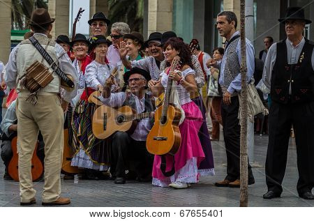 Musicians at the national day of the Canary Islands