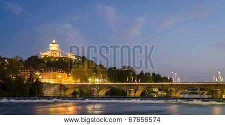 Turin (torino), River Po And Murazzi
