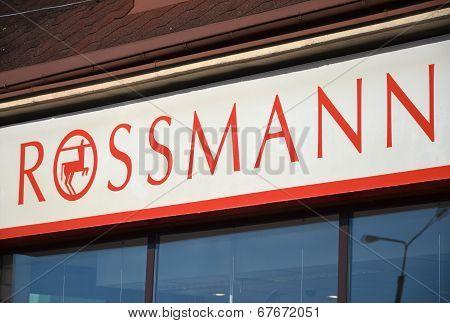 Logo of Rossmann drugstore