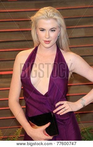 LOS ANGELES - MAR 2:  Ireland Baldwin at the 2014 Vanity Fair Oscar Party at the Sunset Boulevard on March 2, 2014 in West Hollywood, CA