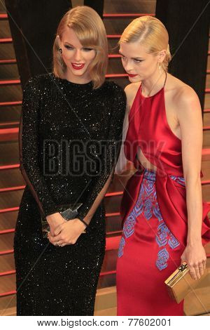 LOS ANGELES - MAR 2:  Taylor Swift, Jaime King at the 2014 Vanity Fair Oscar Party at the Sunset Boulevard on March 2, 2014 in West Hollywood, CA