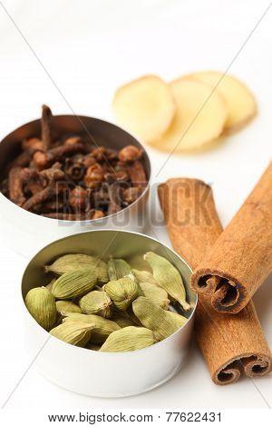 spices for the spiced tea