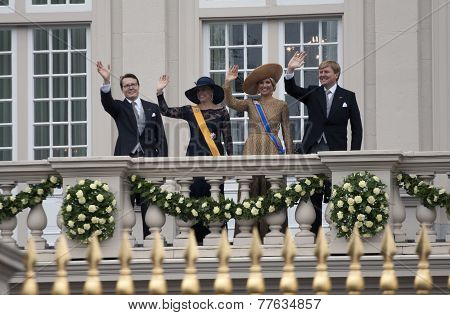Royal dutch family is waving