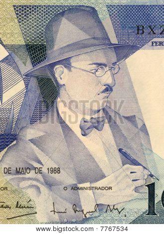 PORTUGAL - CIRCA 1988: Fernando Pessoa