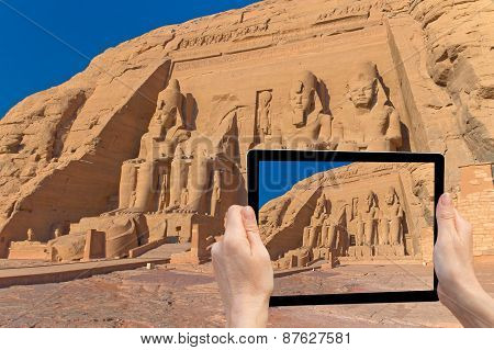 Travel To Abu Simbel Temple ( Egypt)