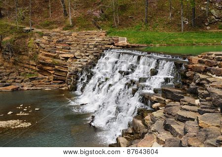 Waterfall Devils Den