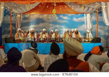 Devotee Sikhs Recite Prayers