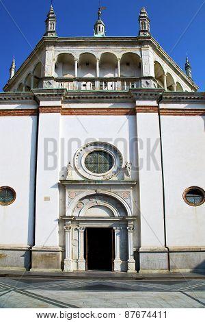 Lombardy        Busto Arsizio  Old   Church  Closed Brick Tower Sidewalk