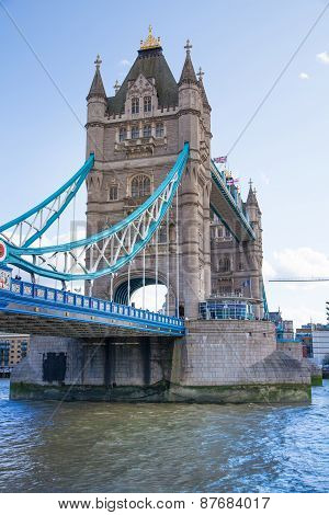 LONDON, UK - AUGUST 16, 2014: Tower bridge and river Thames South bank walk.