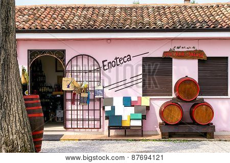 Wine Shop In Italy