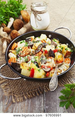 Roast Chicken With Potatoes And Mushrooms