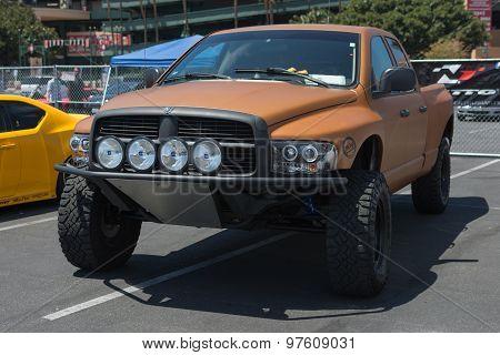 Pickup Race Truck