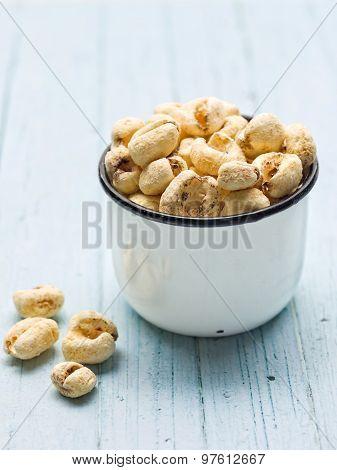 Rustic Puffed Corn Snack