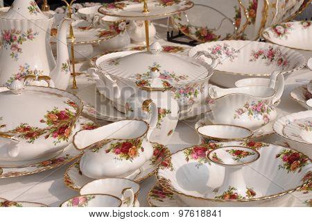 Porcelain on flea market in Arezzo