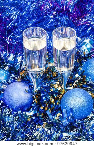 Sparkling Wine Glasses In Blue Xmas Baubles