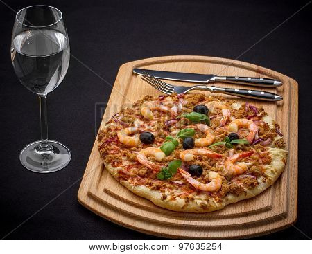 Tuna Pizza With Shrimp And Water, Cutlery